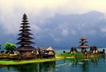 Beratan Temple